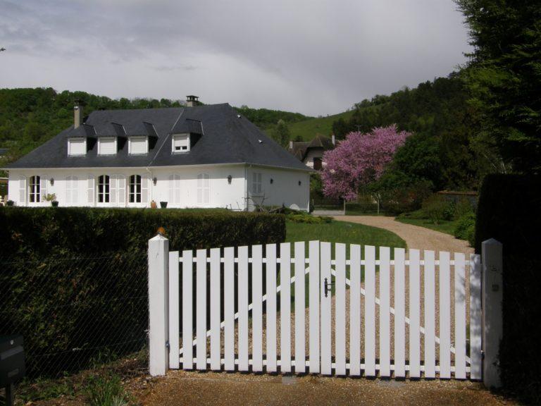rebuilding gate, house gate, handyman, gate rebuilding